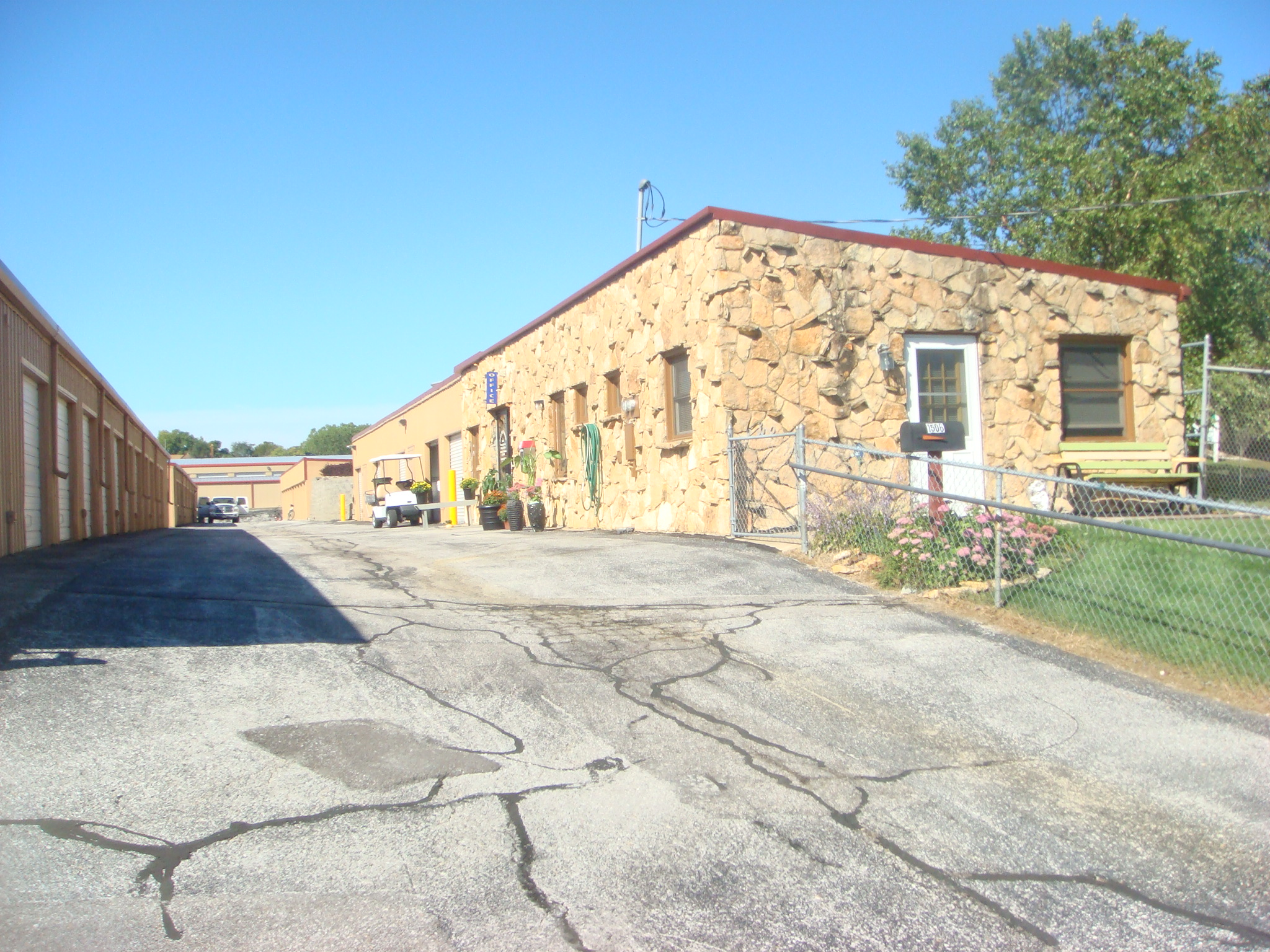 1506 Chandler Road - House & Office view